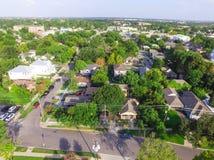Indelning i underavdelningar för förorts- område för bästa sikt av i stadens centrum Houston, Texas arkivbilder