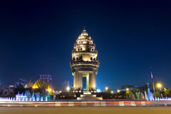 Independence Monument at night, Phnom Penh, Cambodia Stock Photos
