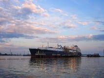 Independencia de la nave en el puerto de Klaipeda, Lituania imágenes de archivo libres de regalías