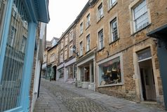 Free Independent Shops Situated On Steep Gradient On Catherine Hill In Frome Town Centre, Somerset UK. Stock Images - 162968634