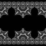 Inder, Mehndi-Hennastrauchlinie Spitzeelemente mit Blumenmusterkarte für Tätowierung auf schwarzem Hintergrund Lizenzfreie Stockfotografie
