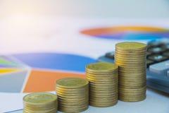 Index financiers courants avec la pièce de monnaie de pile Marché boursier financier Photo libre de droits