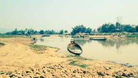 Indiër dichtbij riviermening voor artikelbeeld royalty-vrije stock afbeeldingen