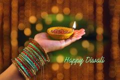 Indiański festiwal Diwali, lampa w ręce obrazy royalty free