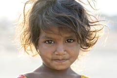 Indiańska biedna dziewczyna Pushkar Wielbłądzi Mela na czas, Rajasthan, India, zbliżenie portret obraz royalty free