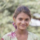 Indiańska dziewczyna przy uczęszczam roczny Pushkar wielbłąd Mela Obrazy Stock