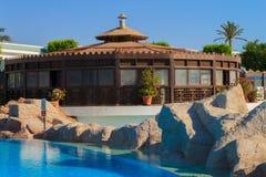 Indiańska restauracja z pływackim basenem Zdjęcia Stock