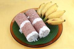 Indiański śniadaniowy Puttu i banan Fotografia Royalty Free