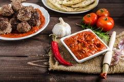 Indiański lunch - mięsne piłki z naan fotografia royalty free