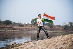 Indiański mężczyzna i hindus flaga fotografia stock