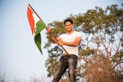 Indiański mężczyzna i hindus flaga zdjęcia stock