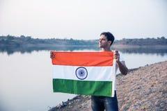 Indiański mężczyzna i hindus flaga obraz stock