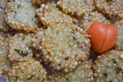 Indiański tradycyjny smażący karmowy Sabudana vada, Sago Cutlet odgórny widok/ Obrazy Stock