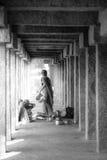 Indiańskie kobiety myje garnki fotografia stock