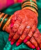 Indiańskiej małżeństwo tradyci hinduscy bangles zdjęcia royalty free