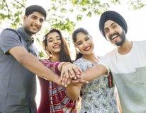 Indiańskiej pochodzenie etniczne społeczności Przypadkowy Rozochocony pojęcie fotografia royalty free