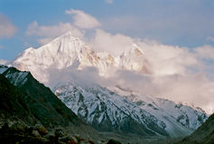 India, Bhagirathi zet op. Royalty-vrije Stock Foto's