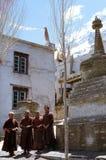 1977 India Boeddhistische monniken bij kardang-Gompa Stock Fotografie