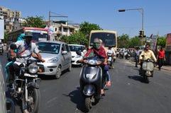 India: ciężki ruch drogowy w ulicach Ahmedabad stolica Gujarat obraz royalty free