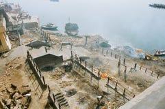 India, de crematie ghat. Stock Afbeelding