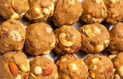 India domowej roboty cukierki owoc suchy laddoo Obraz Stock