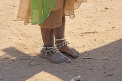 Free India, Hampi, 02 February 2018. The Feet Of A Small Indian Girl Stock Image - 117135481