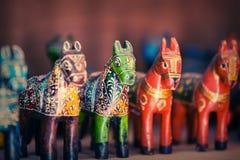 India, Rajasthan Cavalos de madeira velhos - brinquedos para crianças Imagens de Stock Royalty Free