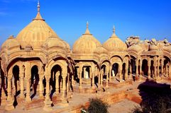 India, Rajasthan, Jaisalmer: Cenotaphs Foto de Stock Royalty Free