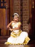 Indiańska dziewczyna tanczy Mohinyattam tana Zdjęcie Stock