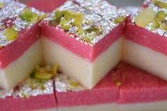 Indiański cukierki truskawki barfi Zdjęcia Royalty Free