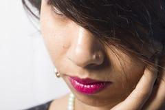 Indiański kobieta model w wiejskim indyjskim spojrzeniu Zdjęcie Stock