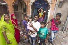 Indiańskie rodzin pozy dumnie Zdjęcia Royalty Free