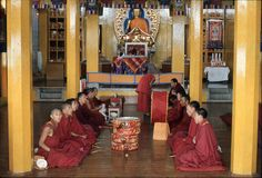 1977 india Tibetana buddistiska munkar på den Namgyal kloster Fotografering för Bildbyråer
