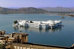 India, udaipur: lake palace stock image