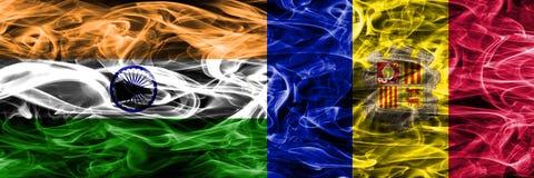 India versus zij aan zij geplaatste de rookvlaggen van Andorra stock illustratie
