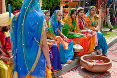 Indian dancers dressed in bright national costume Royalty Free Stock Photography