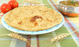 Indian Flat Bread. And okra curry Royalty Free Stock Images