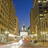 Indiana capitol budynek przy nocą w w centrum Indianapolis, Indi obraz stock