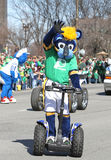 Indiana Pacers Mascot Boomer greeting people at the Annual St Patrick's Day Parade Stock Photo