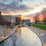 Indiana State Museum på solnedgången Arkivfoton