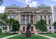 Indiana Statehouse. Indianapolis, Indiana  USA - Aug. 2016. Indian Statehouse with statue of George Washington in the foreground Stock Image