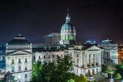 Indiana Statehouse przy noc? w Indianapolis, Indiana zdjęcia royalty free