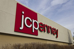 Indianapolis - cerca do dezembro de 2015: JC Penney Retail Mall Location Fotos de Stock Royalty Free
