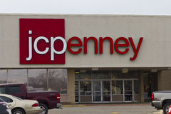 Indianapolis - cerca do dezembro de 2015: JC Penney Retail Mall Location Fotografia de Stock Royalty Free