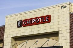 Indianapolis - cerca do dezembro de 2016: Restaurante mexicano da grade do Chipotle O Chipotle é uma corrente de restaurantes de  Imagem de Stock