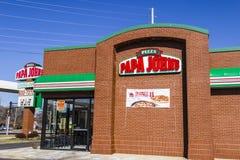 Indianapolis - cerca do fevereiro de 2017: Restaurante para viagem V da pizza do ` s de Papa John Imagem de Stock Royalty Free