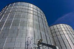 Indianapolis - cerca do outubro de 2017: Pares de Brock Stiffened Grain Bins Brock é uma divisão de CTB, uma empresa de Berkshire Imagens de Stock