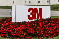 Indianapolis - cerca do setembro de 2016: 3M Plant, uma facilidade pessoal da divisão da segurança que fabrique a proteção de aud Fotos de Stock