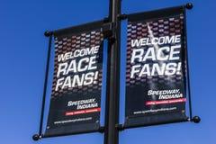 Indianapolis - cerca do setembro de 2016: Os fãs bem-vindos da raça assinam dentro o estrada, Indiana II Imagens de Stock Royalty Free
