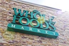 Indianapolis - circa abril de 2016: Mercado II de Whole Foods imagen de archivo libre de regalías